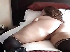 Redhead with Super Curvy Body Milf Amateur