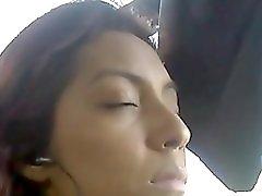 En El Bus Falda Vecina 2