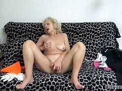 Mature Lesbian Blonde Nanny Have Fun Rubbing Her Pussy