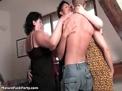 Dirty groupsex with four mature ladies and a big young