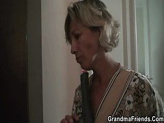 Hottest 3some with mature woman
