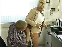 Mature Secretary mata