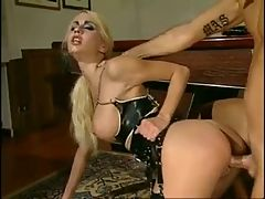 Hot And Heavy Anal Play With Julie Silver