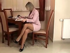 SENSUAL LADY IN BROWN PANTYHOSE