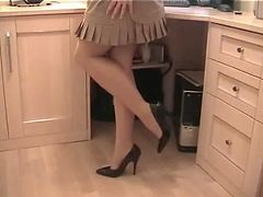 Mature pantyhose secretary