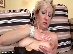 Dirty Mature Woman Goes Crazy Masturbating Her Horny We