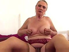 Hairy Granny Plays