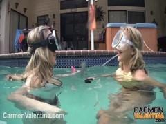 Carmen Valentina UNDERWATER pussy licking!