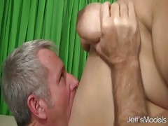 Mature Latina plumper gets her pussy pounded