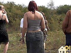Oldie Sex Im Freien