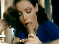 Hot Vintage Brunette Girl Does Blowjob