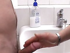 Mature bathroom shagging