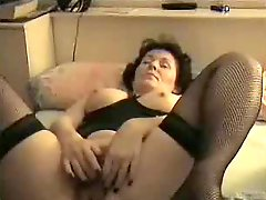 Amateur Mature Masturbates To Orgasm !