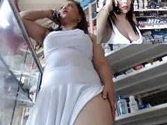 Colombiana milf en farmacia