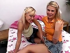 Sweet Kimmie And Tiny Summer In The Twins Room